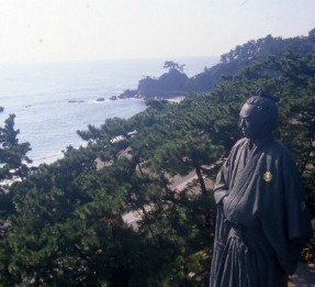 高知市のおすすめ観光スポット 坂本龍馬像・桂浜